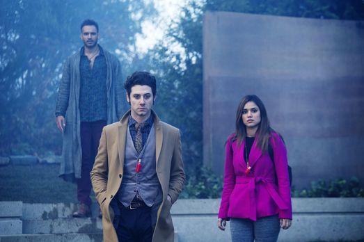 The Magicians - Penny (Arjun Gupta, l.), Eliot (Hale Appleman, M.), Margo (Su...