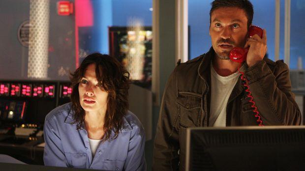 Stehen vor einer schwierigen Aufgabe: Derek (Brian Austin Green, r.) und Sara...