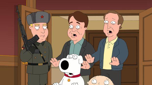 Brian (vorne M.) und Stewie (vorne r.) finden heraus, dass Dan Aykroyd (hinte...