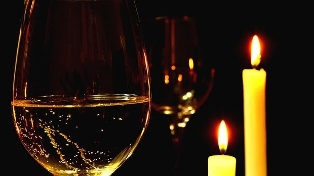 Candle-Light-Wein