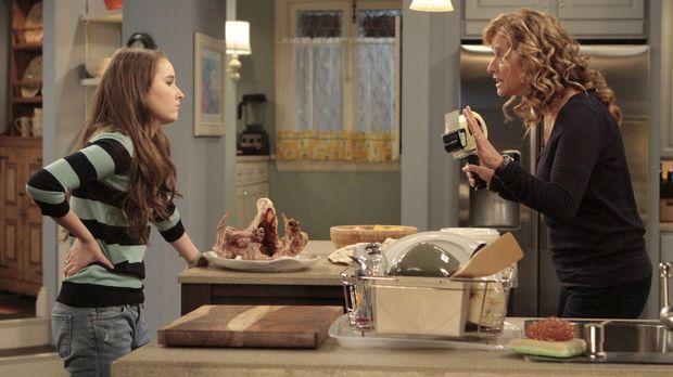 Während Thanksgiving ist Vanessa (Nancy Travis, r.) gestresster als sonst. Da...