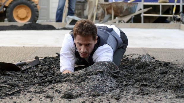 Henry (Ioan Gruffudd) ahnt, was er unter der Asphaltdecke finden wird ... © W...
