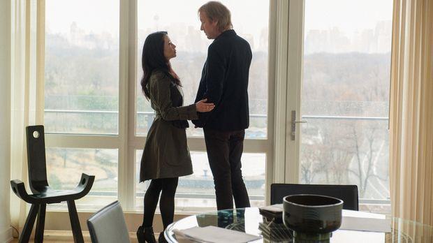 Fühlen sich immer noch stark zueinander hingezogen: Mycroft Holmes (Rhys Ifan...