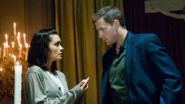 Nach und nach kommen Beth (Shannyn Sossamon, l.) und Detective Jack Andrews (...