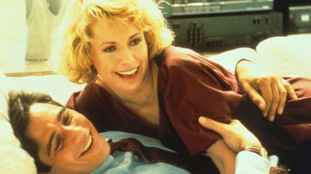 TV-Manager Doug Simpson (Tony Danza, l.) hat kaum noch  Zeit für seine Freund...