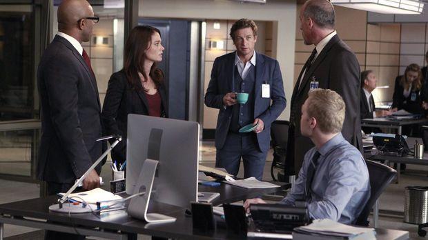 Ein neuer Fall wartet auf (v.l.n.r.) Dennis Abbott (Rockmond Dunbar), Teresa...