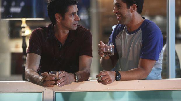 Jimmy (John Stamos, l.) bemüht sich, ein engeres Verhältnis zu seinem Sohn Ge...