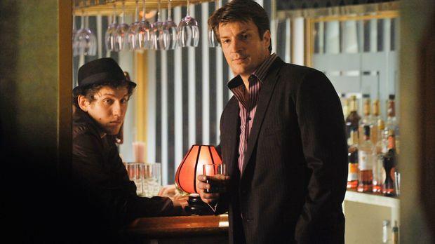 Ein Mordfall in Mafiakreisen bringt Richard Castle (Nathan Fillion, r.) dazu,...