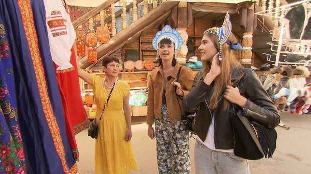 Auf dem Ismajlowa Market in Sibirien tauchen Steffi (r.) und Bonnie (M.) in d...