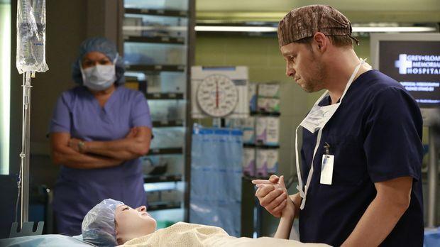 Die Beziehung von Maggie und Andrew entwickelt sich weiter, während sich Alex...