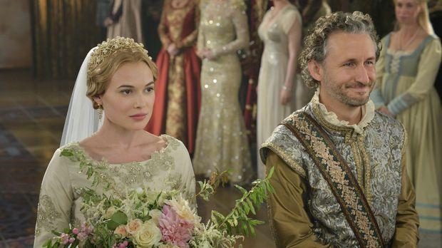 Greer (Celina Sinden, l.) und Castleroy (Michael Therriault, r.) wagen endlic...