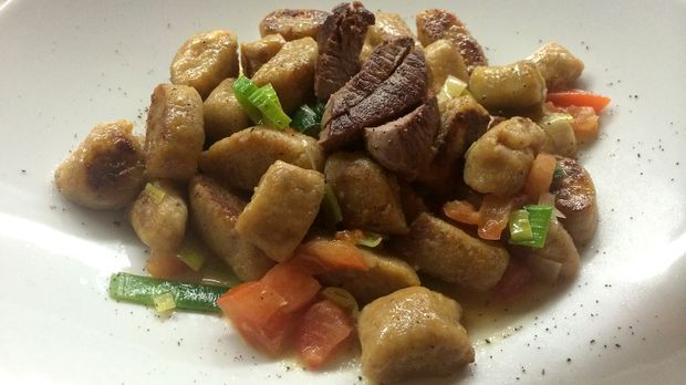 Suesskartoffel-Kastanien-Gnocchi