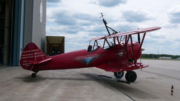 Der Winter ist vorbei und die Piloten machen ihre Maschine wieder fit für die...