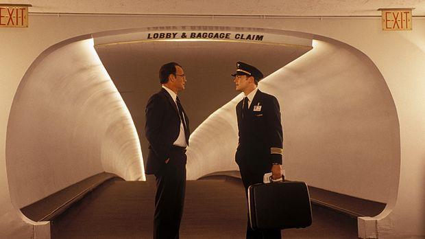 Als FBI-Agent Carl Hanratty (Tom Hanks, l.) zufällig auf seine Zielperson stö...