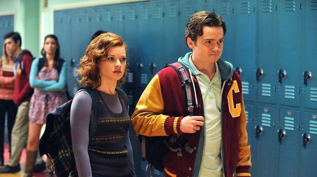 Tessa (Jane Levy, l.) wird von Mr. Wolf als Buddy für einen neuen Schüler (Da...