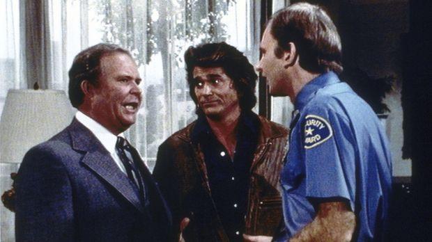 Irritiert muss Melvin Rich (Ned Beatty, l.) feststellen, dass Jonathan (Micha...