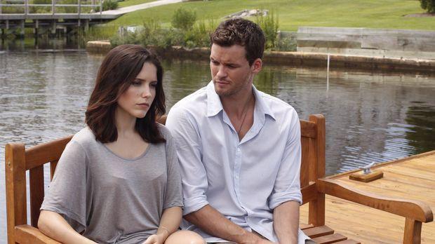 Kommt es zwischen Brooke (Sophia Bush, l.) und Julian (Austin Nichols, r.) zu...