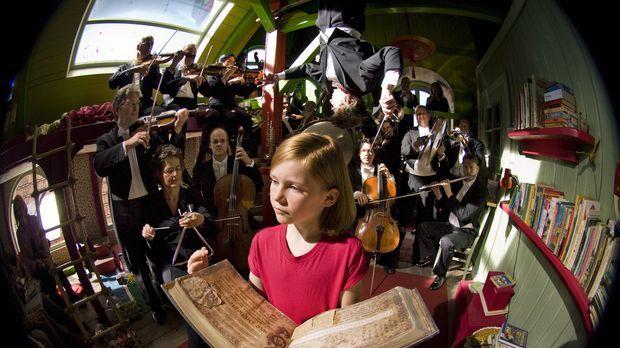Hexe Lilli (Alina Freund) - Der Drache und das magische Buch ... © Marco Nage...