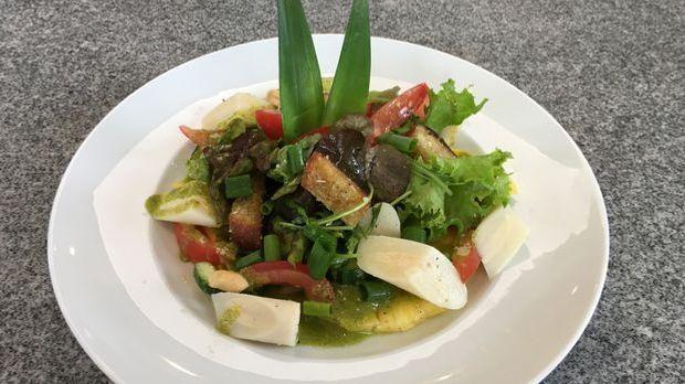 Ralfs Palmherzen-Salat mit Caipirinha-Dressing und Pesto