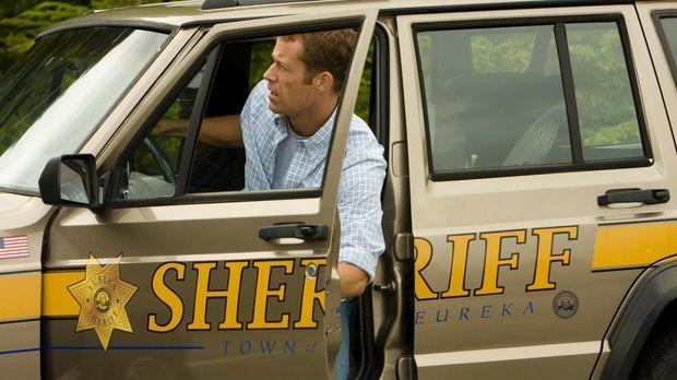 Sorgt in Eureka für Ordnung: Carter (Colin Ferguson) ... © Universal Television