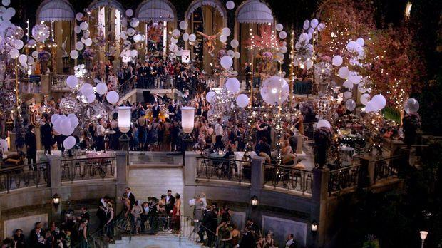 Rauschende Feiern, überwältigende Dekadenz und faszinierende Sensationen mach...