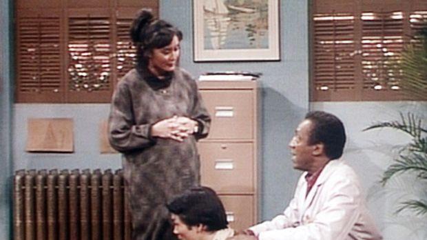 Cliff (Bill Cosby, r.) hat Probleme mit dem Mann von Mrs. Yamato (l.), der ba...