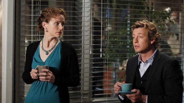 Während ihres ersten Dates werden Patrick (Simon Baker, r.) und Kristina (Les...