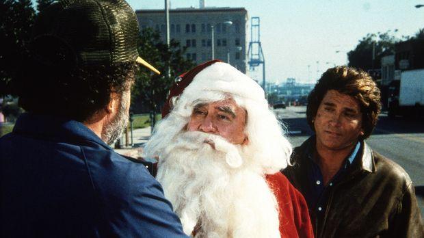 Harold (Edward Asner, M.), als Weihnachtsmann verkleidet, wird von Jonathan (...