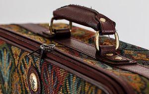 bunter Koffer