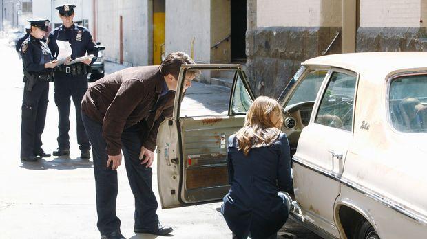 Der aktuelle Fall von Castle (Nathan Fillion, 2.v.r.) und Beckett (Stana Kati...