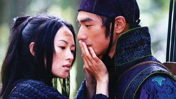 Als sich die blinde Rebellin Mei (Zhang Ziyi, l.) in Jin (Takeshi Kaneshiro,...