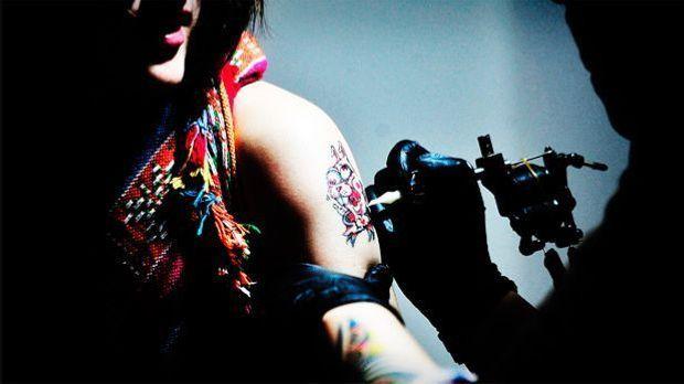 Tattoo01_620x348_dpa