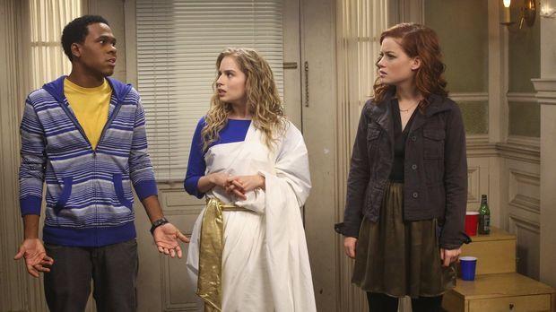 Als Tessa (Jane Levy, r.) Malik (Maestro Harrell, l.) und Lisa (Allie Grant,...