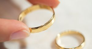 Heiratsantrag-Ring-2-dpa
