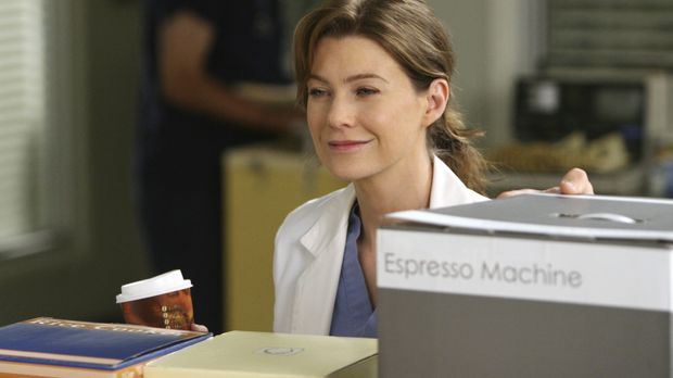 Versucht Burkes Mutter abzuwimmeln, doch hat keine Chance: Meredith (Ellen Po...