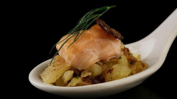 The-Taste-Stf02-Epi02-Kartoffelrisotto-mit Lachs-Bjoern-17-SAT-1-Young-Soo- C...