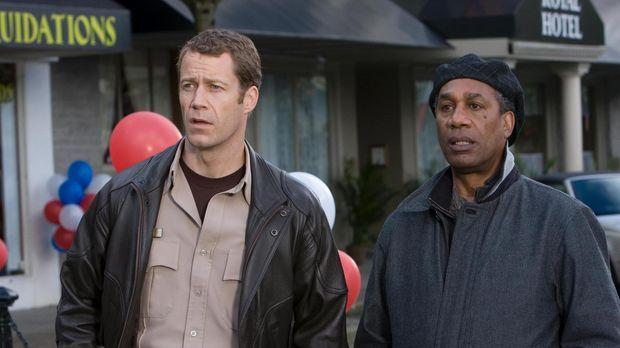 Jack (Colin Ferguson, l.), Allison, Jo, Henry (Joe Morton, r.) und Fargo sind...