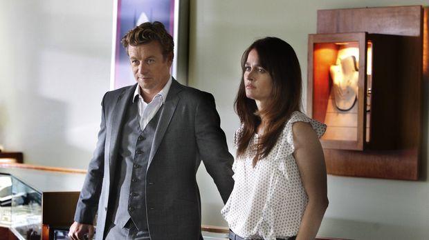 Ein neuer Fall beschäftigt Jane (Simon Baker, l.) und Lisbon (Robin Tunney, r...