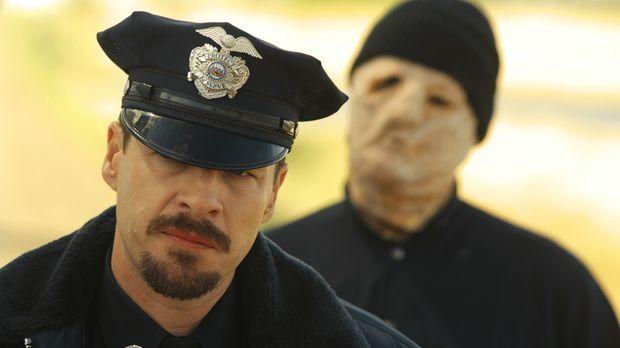 Den Tod im Nacken: Polizist Jim Conrad (French Stewart) ... © 2008 Warner Bro...