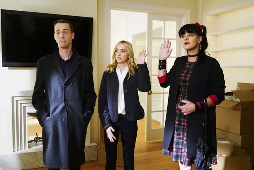 Navy CIS - Abby (Pauley Perrette, r.), Bishop (Emily Wickersham, M.) und McGe...