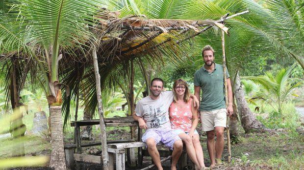 In Panama trifft Ben Fogle (r.) auf das Ehepaar Ian (l.) und Vanessa (M.) ......