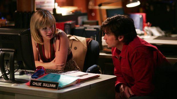 So findet Lex also die ganzen Superhelden. Clark (Tom Welling, r.) und Chloe...