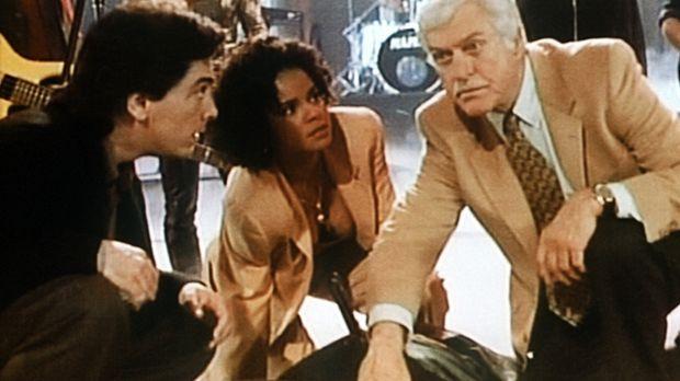 Jack (Scott Baio, vorne l.), Amanda (Victoria Rowell, vorne M.) und Dr. Sloan...