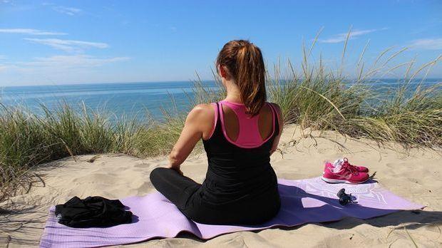 Abnehmen mit Yoga Pixabay