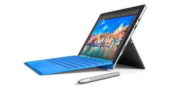 Microsoft Surface Pro 4 in Blau