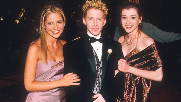 Buffy (Sarah Michelle Gellar, l.), Oz (Seth Green, M.) und Willow (Alyson Han...