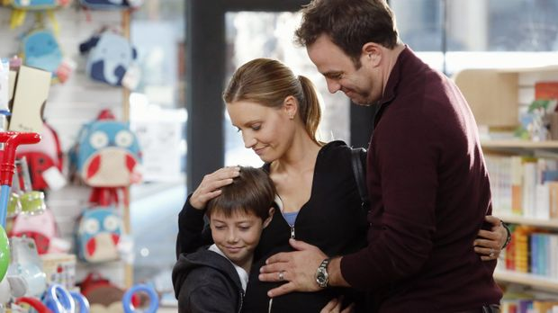 Eine glückliche Familie: Cooper (Paul Adelstein, r.), Charlotte (KaDee Strick...
