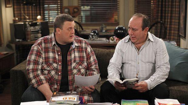 Männergespräche: Vince (Louis Mustillo, r.) und Mike (Billy Gardell, l.) ......