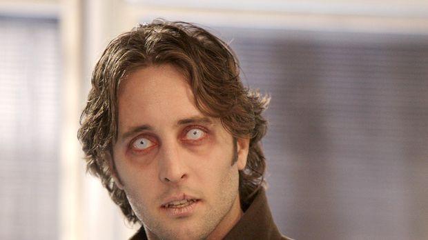 Moonlight - Mick (Alex O'Loughlin) setzt alles daran, um wieder ein Mensch zu...