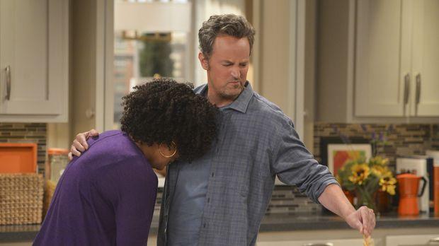 Die frisch verlassene Dani (Yvette Nicole Brown, l.) sucht Trost bei Oscar (M...